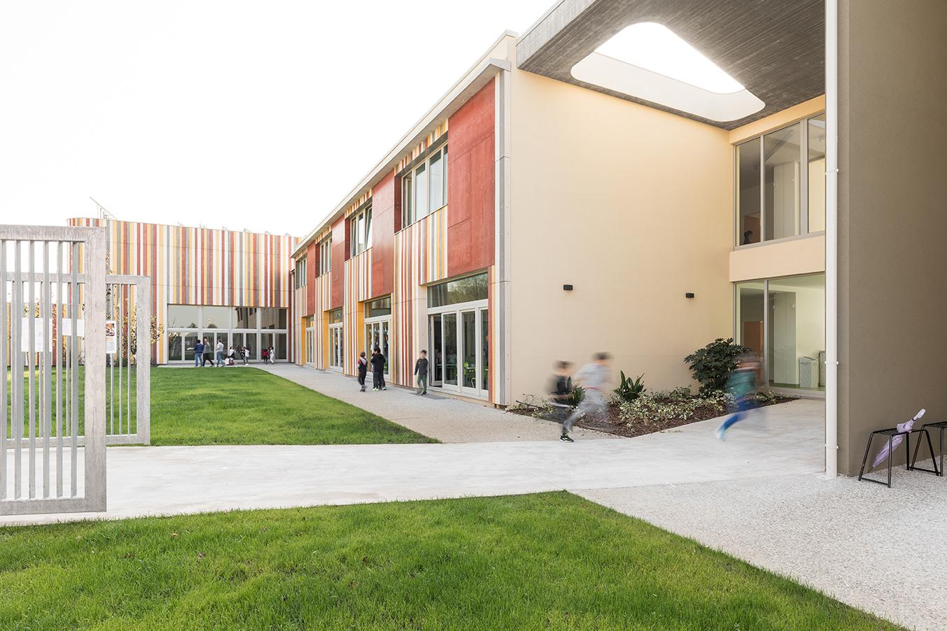 Cernusco sul Naviglio School